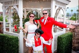 elvis wedding in vegas elvis gazebo wedding elvis theme wedding elvis weddings