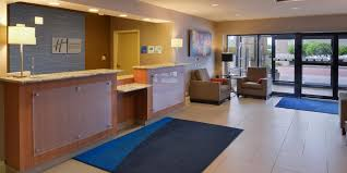 holiday inn express front desk agent job description holiday inn express crestwood hotel by ihg
