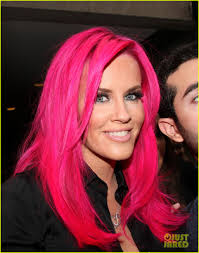 jenny mccarthy view dark hair jenny mccarthy dyes her hair hot pink see her new look photo