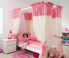 Mini Mouse Curtains by Bedroom Canopy Bed With Minnie Mouse Design For Toddler Girls