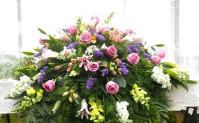 casket spray mixed casket spray funeral flowers in ky michler s