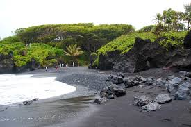 kauai u0027s black sand beach geohaunt all about geography