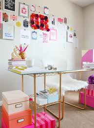 10 cliche decor items every blogger has in her office