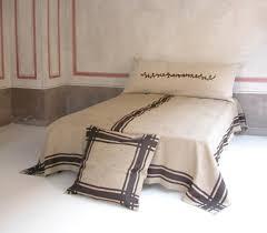 deco chambre romantique beige le rôle des tissus dans une décoration chambre réussie design feria