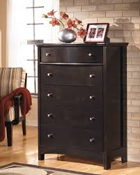 Art Van Ashley Furniture by Ashley Harmony Five Drawer Chest