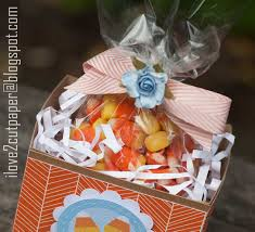 halloween candy gift basket i love 2 cut paper september 2015