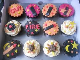 bonfire night decorated cupcakes by t cakes bonfire night crafts