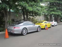 porsche 911 indonesia porsche 911 spotted in jakarta indonesia on 07 14 2012