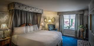 Canterbury Bedroom Furniture by Canterbury Suite Rooms Red Coach Inn Niagara Falls New York