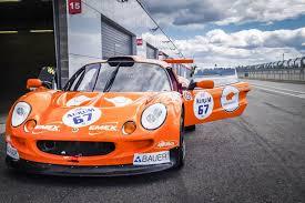 orange ferrari lenktynininkai palygino u201eferrari u201c ir u201elamborghini u201c abu