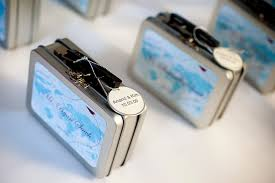 cool wedding favors diy wedding favors lia s bridal lounge