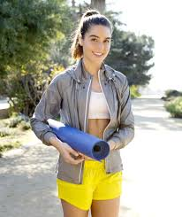 what not to wear to yoga class popsugar fitness