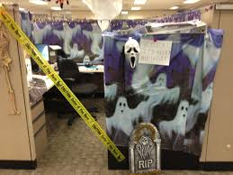 How To Decorate Your Cubicle For Halloween Halloween Cubicle Halloween Pinterest Halloween Cubicle