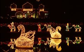 how long are christmas lights the best christmas light displays in every state travel leisure