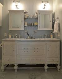 vintage bathroom decorating ideas best 25 vintage bathrooms ideas on cottage bathroom