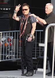 freshly tattooed johnny depp puts amber heard divorce nightmare
