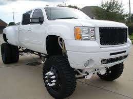 lifted white gmc completely modified custom 07 frost white gmc denali 3500 4x4 4