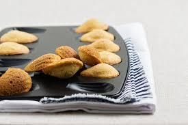eau de fleur d oranger cuisine recette madeleines de commercy à la fleur d oranger