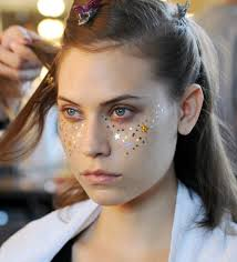 halloween hippie makeup looks 1970s beauty trends that are back 1970s hair and makeup photos