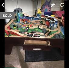 how to put imaginarium train table together 200 piece imaginarium train table fully assembled which is great