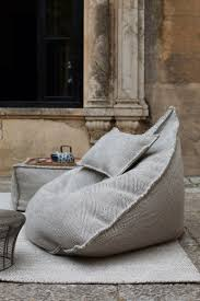 comfy reading chair sail pouf ottoman pallets coffee and bag