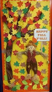 Cute And Inviting Fall Front Door Decor Ideas 21 67 D Cor DigsDigs