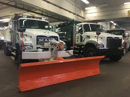 mack truck dealers mack trucks gives business update provides details on new dme