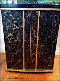 white crackle paint cabinets d i y crackle paint cabinet makeover i can do that