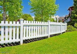 Fence Ideas For Small Backyard Backyard Fence Ideas Patio Privacy Fence Ideas Patio Privacy Fence