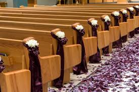 wedding pew decorations great idea for the end of the pews decorations in the ceremony