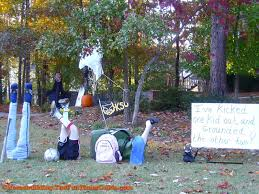 Halloween Yard Decorations One Of A Kind Halloween Yard Decoration Ideas The Homebuilding