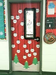 Door Decorations For The New Year by Best 25 Classroom Christmas Decor Ideas On Pinterest
