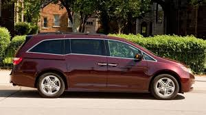 odyssey car reviews and news at carreview 2011 honda odyssey touring elite long term car review three months