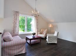 Wohnzimmer M El Schwebend Romantisch Eingerichtetes Ferienhaus Mit Traumhaftem Blick Auf