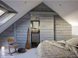 amenager comble en chambre 35 chambres sous les combles décoration