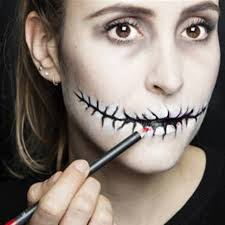 Halloween Makeup Pics by It U0027s Not Too Late Easy Makeup Ideas For Hallowen