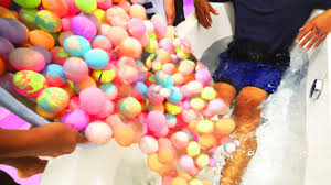 What Is The Best Way To Clean A Bathtub Extreme 1000 Bath Bombs Challenge Youtube