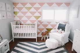 papier peint chambre bebe fille design interieur décoration chambre bébé papier peint motifs