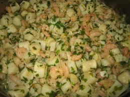 comment cuisiner les crevettes congel馥s poêlée de noix de pétoncles et crevettes persillées cuisine