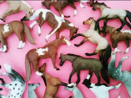 minnie whinnies buying breyer horses mini whinnies