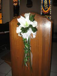 wedding flower arrangements for church pews best ideas about pew