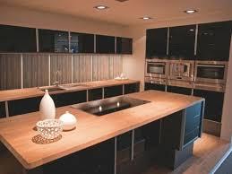 la cuisine au la cuisine bois et noir c est le chic sobre raffiné archzine fr