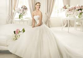 just right summer wedding dresses classic wedding gowns for