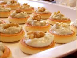 recette canapé apéritif facile l apéro pour les nuls canapés à la mousse de roquefort et aux noix