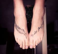 nice feather tattoo on foot in 2017 real photo pictures images