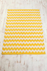 Bright Yellow Bathroom Rugs by Best 25 Yellow Chevron Rugs Ideas On Pinterest Yellow Apartment