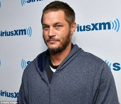 travis fimmel hair for vikings travis fimmel crosses eyes while posing for cameras as he arrives