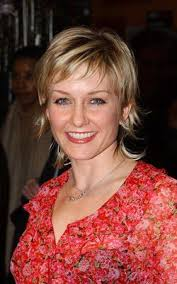 back view of amy carlson s hair amy carlson hairstyle pictures photos of amy carlson blue