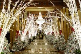 top 5 christmas decorations in new orleans roosevelt lobbies