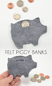 His And Hers Piggy Bank Small Homemade Gifts For Any Occasion Piggy Banks Free Pattern